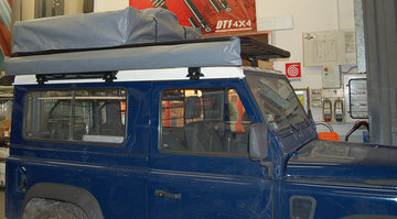 Land Rover Defender 90 roofrack - dakrek 214 X 148 cm. UPRACKS hoog model